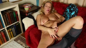 Karen Summers wearing tights masturbation