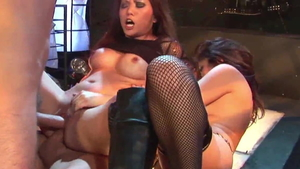 Incredible amateur threesome