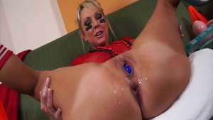 Hottest mature butt fucked solo