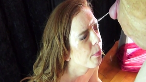 Teen chick Mary Jane together with Mary Jane Mayhem pissing