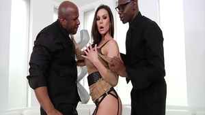 Mature Kendra Lust raw fucked in the ass