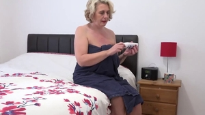 Saggy tits girl wishes for instruction in HD