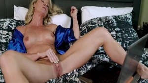 Raw sex in the company of very hot blonde Sydney Hail