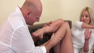 Rough nailing accompanied by super hot babe Sienna Day