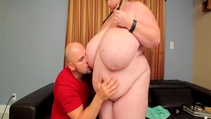 Big tits Lexxxi Luxe pussy eating