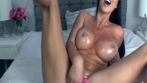 Busty Alice Goodwin pussy eating live on cam
