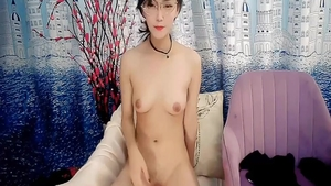 Glamour supermodel erotic pissing on web-cam