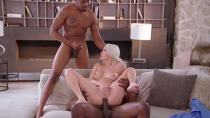 Beautiful american blonde haired digs first time facial HD