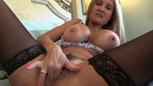 Rough nailing escorted by MILF