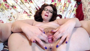 Amateur has a thing for hard nailining HD