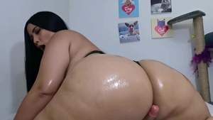 JOI very sexy latina amateur femdom