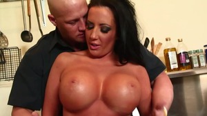 Mature Richelle Ryan got her pussy pounded
