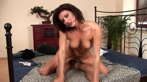 Very hot brunette agrees to nailing